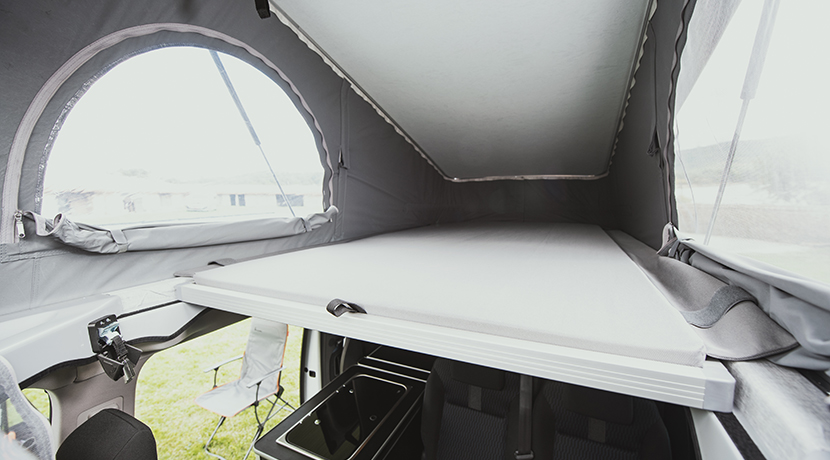 Peugeot Traveler by Tinkervan Camper superior bed